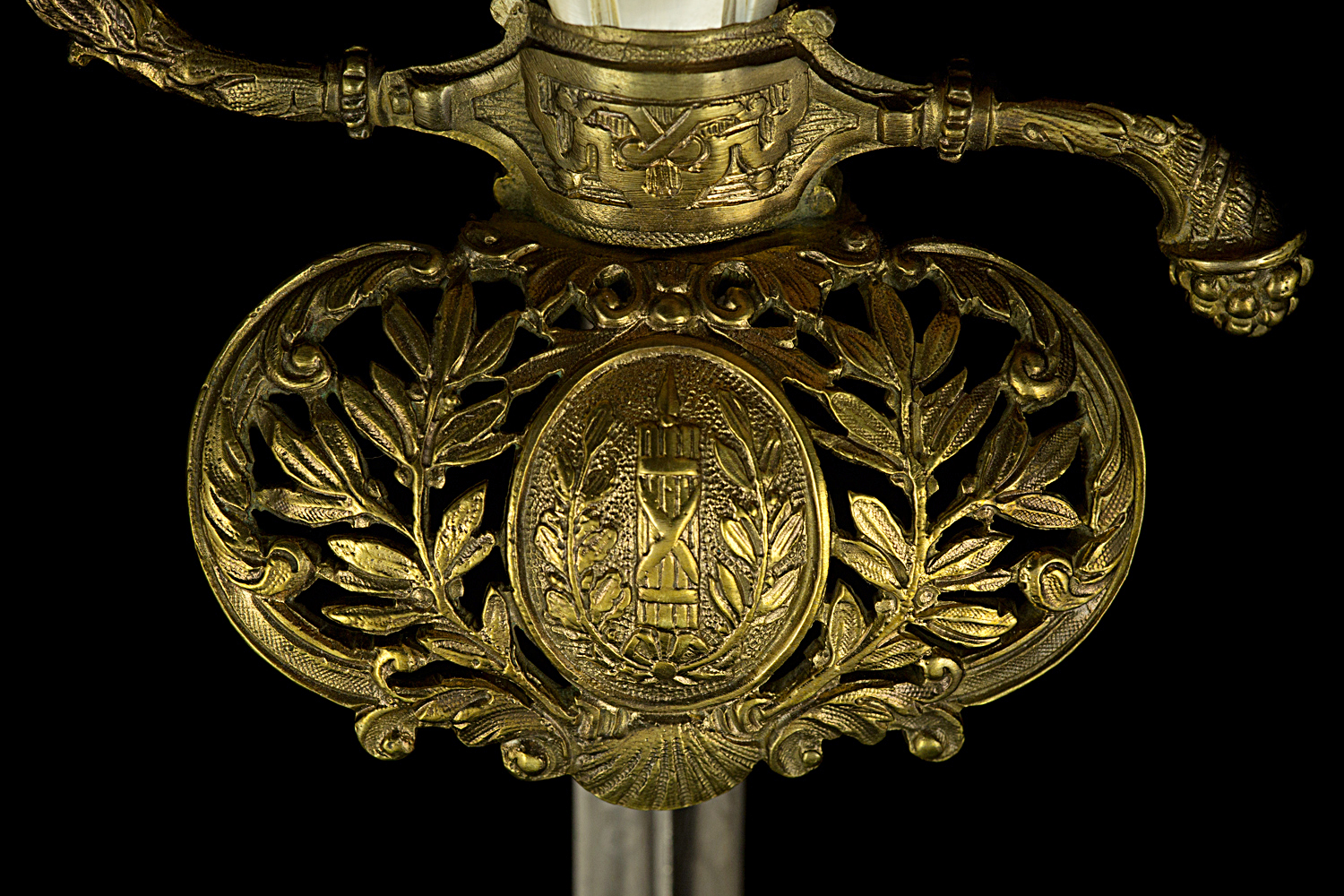 S000012_French_Judge_Smallsword_Detail_Shell_Obverse